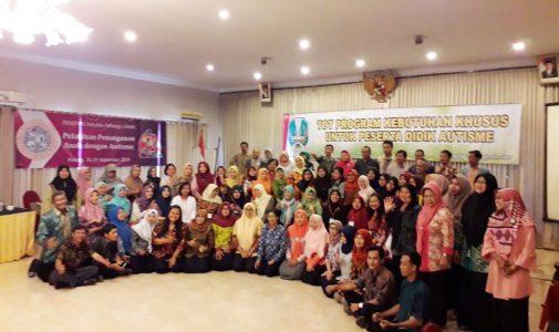 Training of Trainer: Penanganan Anak dengan Autisme untuk Guru SLB dan Guru Pembimbing Khusus Sekolah Inklusi Se-Jawa Timur
